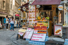 Prezzi degli alimenti veloci turchi a Costantinopoli fotografie stock libere da diritti
