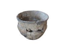 Prähistorische Tonwaren lokalisiert über Weiß Stockfotos