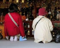 Prière dans le temple Photos libres de droits
