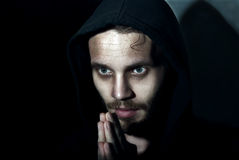 Prière de jeune homme photo stock