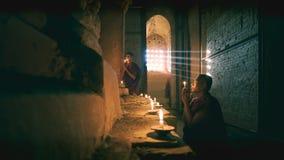 Prière de novices Image libre de droits