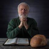 Prière de thanksgiving pour le chant religieux et le pain quotidien Image libre de droits