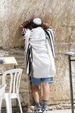 Prières de mur pleurant dans la chaleur. ! ! Photo stock
