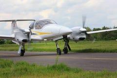 Pribram lotnisko, republika czech - 28 2010 Maj Diamentu DA-42 NG Turbo bliźniaka gwiazda Obrazy Stock