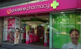 Priceline är en australisk hälso- och skönhetåterförsäljare med mer än 300 diversehandel, inklusive detta lager på den Oxford gat Arkivbild