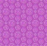 Prickar cirklar den sömlösa modellen i skuggor av lilan Arkivbild