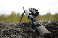 Prickskytt Rifle royaltyfri bild