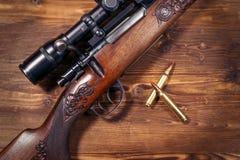 Prickskyttgevär med kulor royaltyfria foton