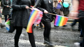 Pride Crowd March alegre em Glasgow filme