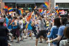 Pride Parade Crowd Greenwich Village alegre NYC Fotos de Stock Royalty Free