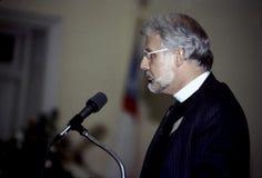 Priester, der an einem Ereignis in Fairfax, Virginia spricht lizenzfreies stockfoto