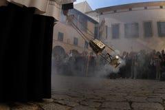 Priesters vóór massa in Palma de Mallorca-kathedraal royalty-vrije stock foto's
