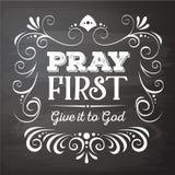 Priez le donnent d'abord à Dieu Photos libres de droits