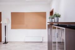 prikbord op de muur Stock Foto