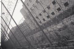 Prikkeldraad bij de gevangenis van de Provincie van Cook, Stock Foto's