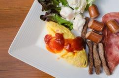 Prima colazione americana sul piatto Fotografia Stock