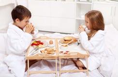 Prima colazione in base Immagini Stock