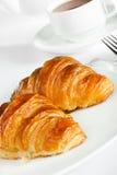 Prima colazione con il croissant ed il tè Fotografia Stock Libera da Diritti