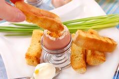 Prima colazione con l'uovo soft-boiled Fotografia Stock Libera da Diritti