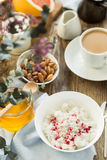 Prima colazione con la cagliata ed il caffè della ricotta Fotografia Stock