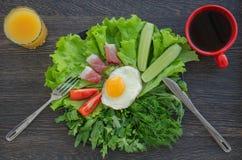 Prima colazione con le uova rimescolate Immagine Stock Libera da Diritti
