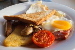 Prima colazione cucinata inglese Immagini Stock