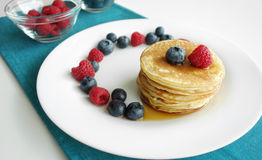 Prima colazione dei pancake del mirtillo Fotografia Stock Libera da Diritti