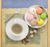 Prima colazione del caffè con il macaron del francese dei biscotti Fotografia Stock