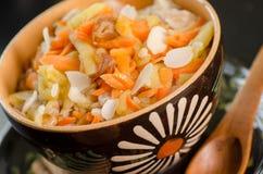 Prima colazione del riso del vegano con le carote Fotografie Stock
