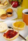 Prima colazione dolce con ostruzione fotografia stock
