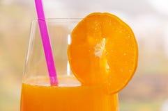 Prima colazione fresca con il succo del mandarino Immagine Stock
