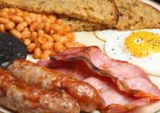 Prima colazione fritta cucinata inglese piena immagine stock libera da diritti
