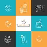 Prima colazione - insieme delle icone di vettore nello stile lineare relativo al pasto di mattina Fotografie Stock