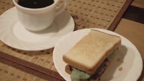 Prima colazione leggera all'hotel video d archivio