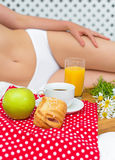 Prima colazione a letto Immagini Stock