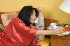 Prima colazione nel colore rosso Fotografia Stock
