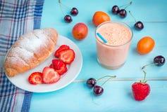 Prima colazione o spuntino servita Immagine Stock Libera da Diritti