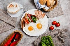 Prima colazione perfetta con caffè fotografia stock libera da diritti