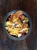 Prima colazione sana, cereale, pasto fresco, piatto vegeterian organico fotografie stock libere da diritti