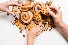 Prima colazione sana con i prodotti di pasticceria Fotografia Stock Libera da Diritti