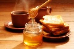 Prima colazione sana con miele Fotografia Stock Libera da Diritti