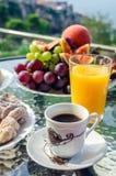 Prima colazione sana di vacanza europea fotografia stock