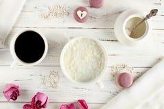 Prima colazione sana e romantica immagini stock