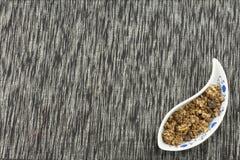 prima colazione sana, pasto di dieta di cereale, frutta e dadi Immagine Stock