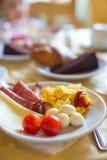 Prima colazione sana sulla fine della tavola su in all'aperto Immagini Stock