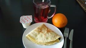 Prima colazione semplice durante la vacanza invernale Immagini Stock