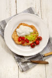 Prima colazione ungherese con i langos e la paprica Immagine Stock