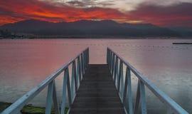 Prima dell'alba al golfo di Eilat fotografie stock libere da diritti