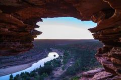 Prima di alba alla finestra delle nature nel parco nazionale di kalbarri, Australia occidentale 2 immagini stock
