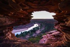 Prima di alba alla finestra delle nature nel parco nazionale di kalbarri, Australia occidentale 3 fotografia stock